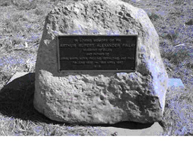 Fin's Grave